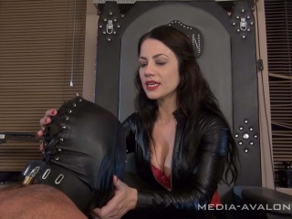 leather slave on his knees